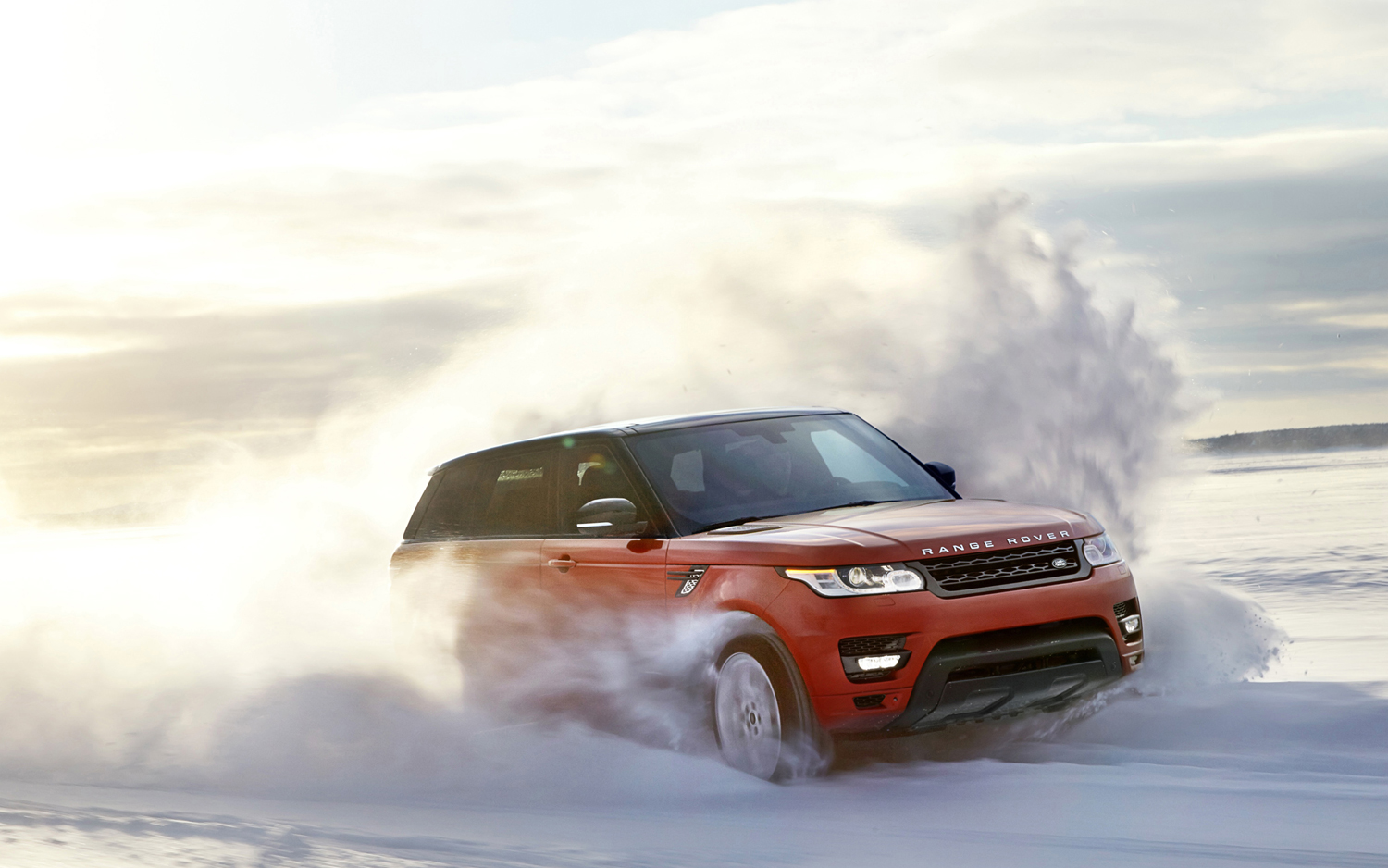 2014-Range-Rover-Sport-front-view-in-motion-07