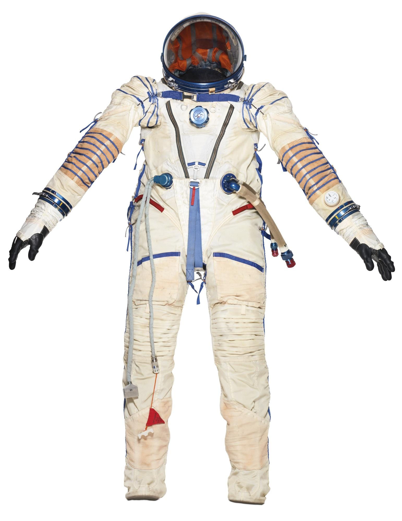 130412AP_spacesuit_ 32313