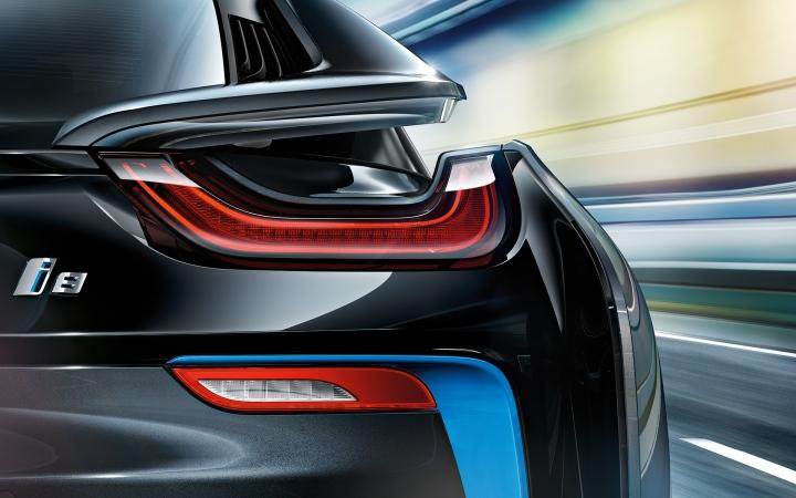 BMW-i8-15