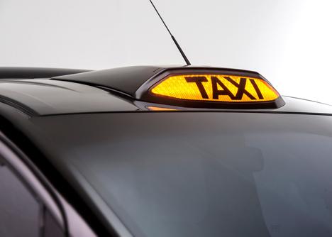 Nissan-unveils-new-London-taxi_dezeen_7