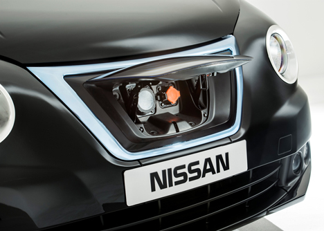 Nissan-unveils-new-London-taxi_dezeen_9